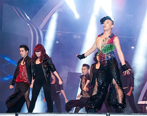 Vũ công giả gái gây sốt VN's Got Talent - 6