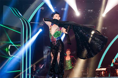 Vũ công giả gái gây sốt VN's Got Talent - 10