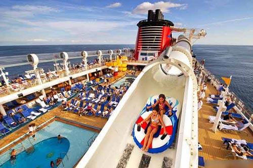 Ngắm những 'khách sạn' xa hoa trên biển - 4