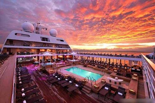 Ngắm những 'khách sạn' xa hoa trên biển - 5