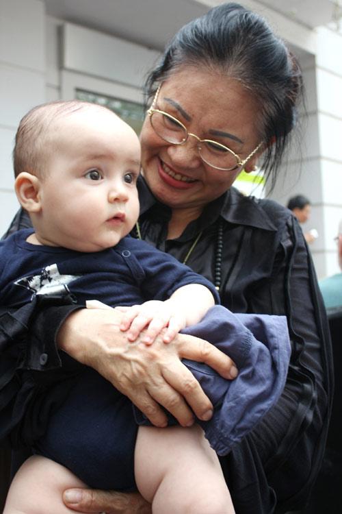 Thanh Lam khoe cháu trai lai Tây đáng yêu - 8