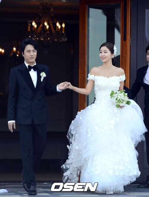 Lee Min Ho bảnh bao đi ăn cưới - 1