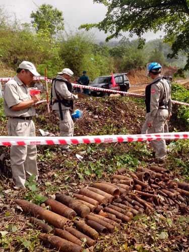 Quảng Trị: Phát hiện 114 quả bom tại thị trấn - 1