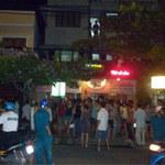 An ninh Xã hội - Cô gái bị thiêu trước phòng trà đã tử vong