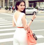 Thời trang - Ngọc Trinh mặc jumpsuit trắng muốt