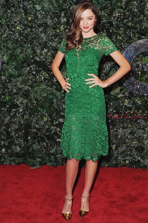 Say lòng ngắm váy tiệc của Miranda Kerr - 6
