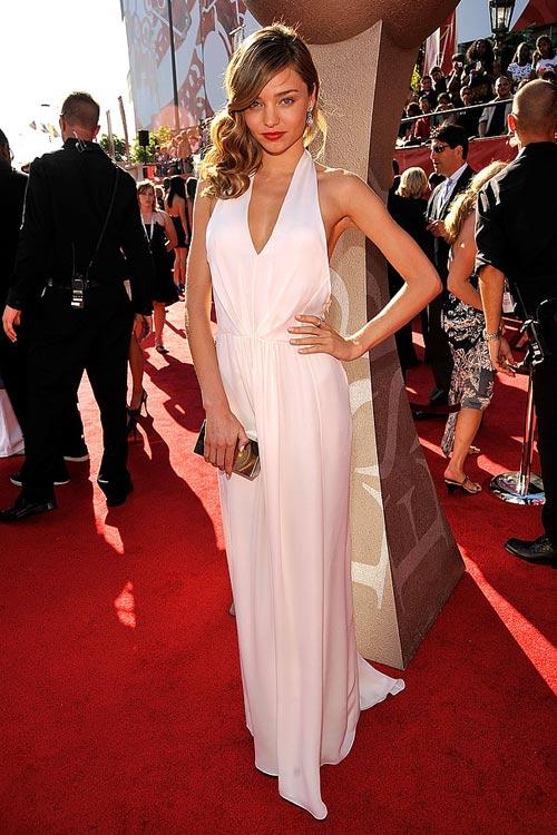 Say lòng ngắm váy tiệc của Miranda Kerr - 14