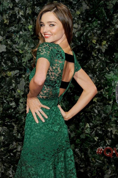 Say lòng ngắm váy tiệc của Miranda Kerr - 5
