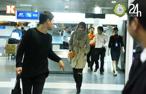 Yoon Eun Hye đỡ fan Việt bị ngã, Phim, sao han, xinh dep, quyen ru, hoang cung, thai tu phi, quan he viet han, yoo eun hye, dai dien, thuong hieu, thoi trang