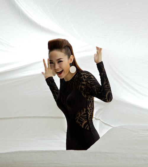 Minh Hằng quá gợi cảm ngày trở lại - 5