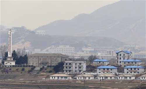 """HQ """"xuống nước"""" mời Triều Tiên đối thoại"""