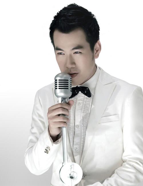 """Uyên Linh và Mai Hương """"đua nước rút"""" - 5"""