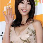 Phim - Sao Hàn sexy trên thảm đỏ