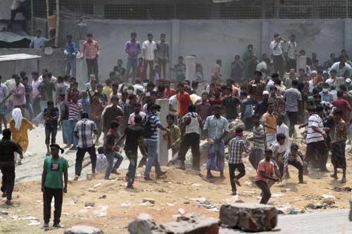 Bangladesh: Biểu tình lớn vì 300 người chết - 3