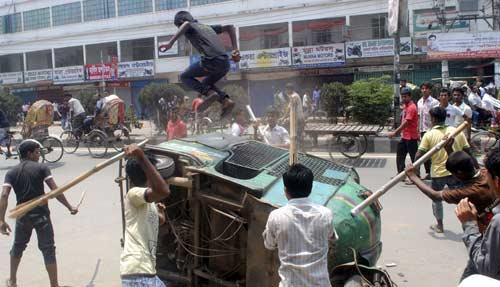 Bangladesh: Biểu tình lớn vì 300 người chết - 5