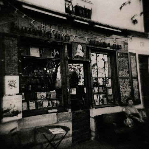 Đến Paris thăm hiệu sách cổ đẹp nhất thế giới - 1