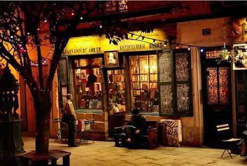 Đến Paris thăm hiệu sách cổ đẹp nhất thế giới - 13