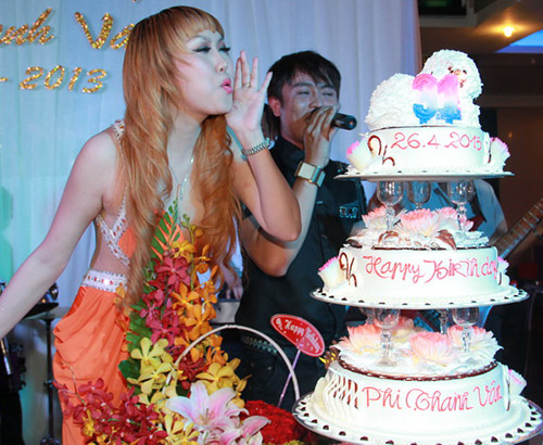 Phi Thanh Vân mời 150 khách mừng sinh nhật - 11