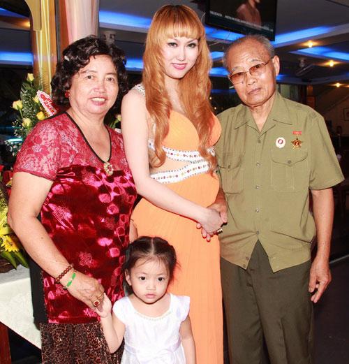 Phi Thanh Vân mời 150 khách mừng sinh nhật - 5