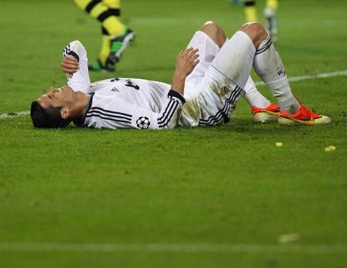 CR7 vắng mặt ở derby Madrid - 1