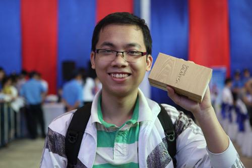 Fan Việt xếp hàng chờ mua Samsung Galaxy S4 - 11