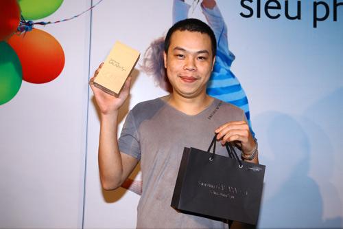 Fan Việt xếp hàng chờ mua Samsung Galaxy S4 - 12