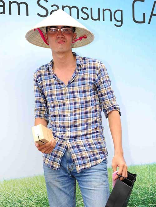 Fan Việt xếp hàng chờ mua Samsung Galaxy S4 - 14