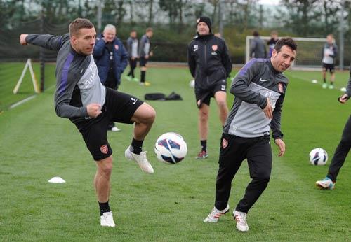 """Arsenal tiếp MU: Nỗi nhớ """"sát thủ"""" - 2"""