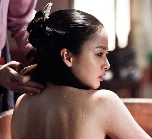 Kim Tae Hee hốt hoảng quay cảnh tắm - 2