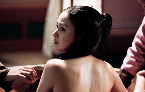 Kim Tae Hee hốt hoảng quay cảnh tắm - 3
