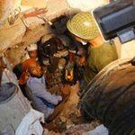 Tin tức trong ngày - 2 em bé ra đời trong đống đổ nát ở Bangladesh