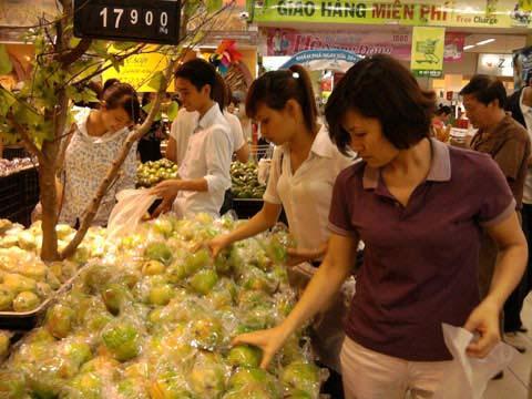 Siêu thị đắt hàng, chợ ế ẩm - 2