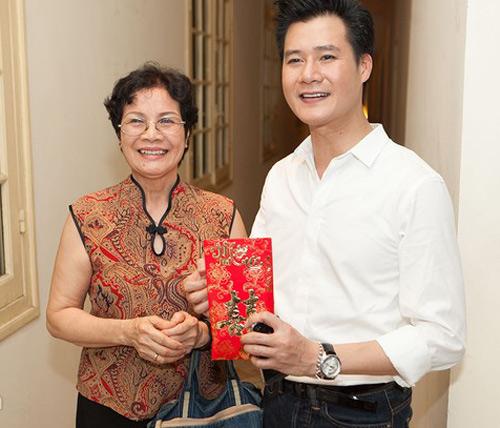 Quang Dũng được khán giả tặng phong bì - 3