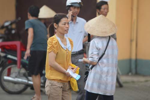Ngất lịm vì mua vé trận SLNA – Ninh Bình - 9