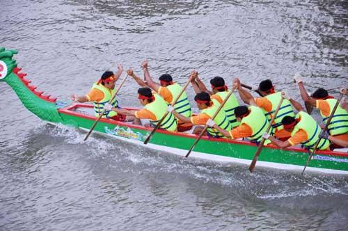 Chùm ảnh: Đua thuyền rồng trên kênh Tàu Hủ - 13