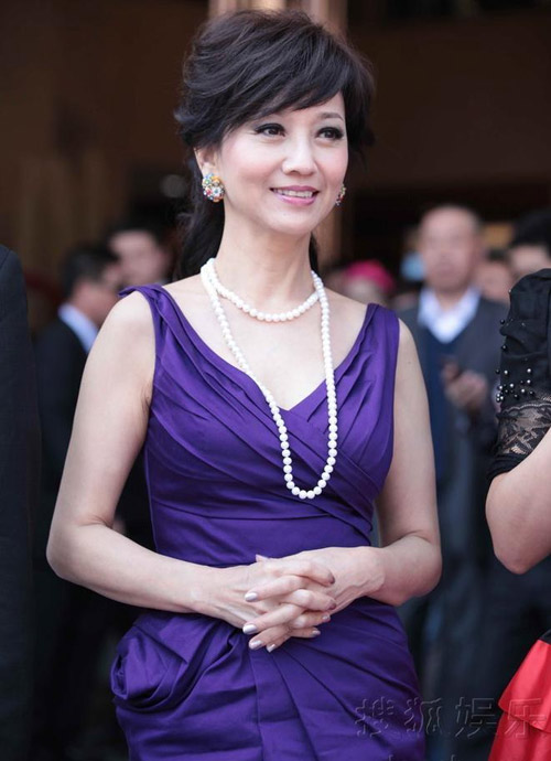 Người đẹp gốc Việt nhảy sung bung áo - 14