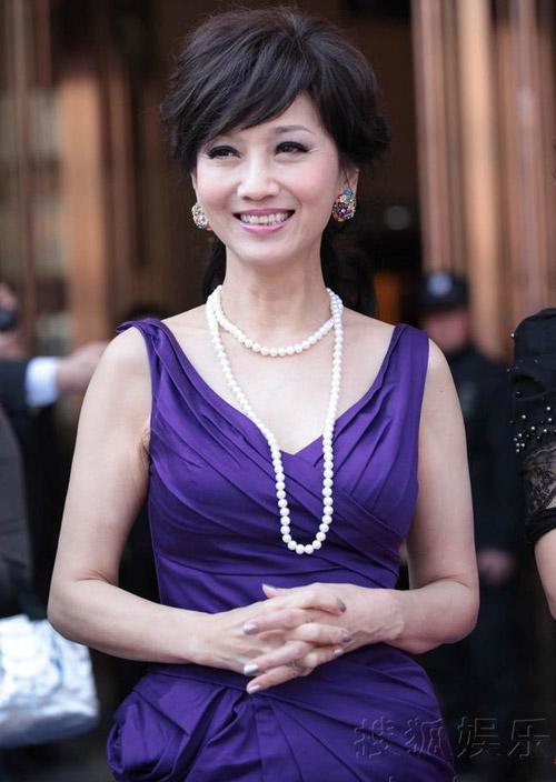 Người đẹp gốc Việt nhảy sung bung áo - 12