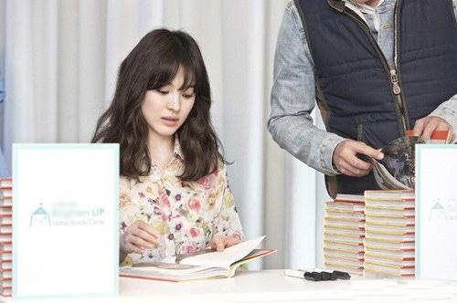 Phạm Băng Băng, Song Hye Kyo đẹp rạng rỡ - 2