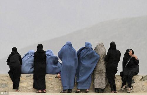 Afghanistan: Bị cha bắn chết vì dám… bỏ chồng - 1