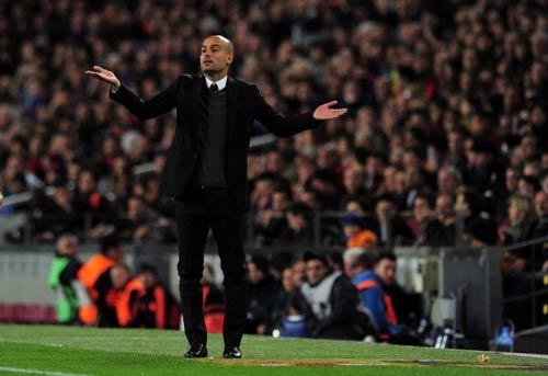 """Bayern & """"cú ăn 3"""": Quà mừng Pep - 2"""