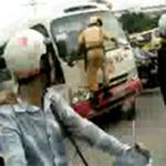 Tin tức trong ngày - Tạm giữ lái xe côn đồ lao thẳng vào CSGT