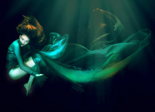 Hoàng Yến phô cơ thể đẹp mê ly dưới nước - 4