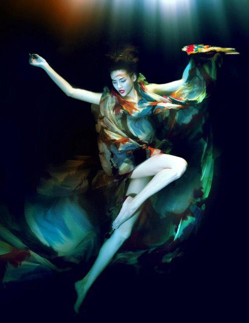 Hoàng Yến phô cơ thể đẹp mê ly dưới nước - 5