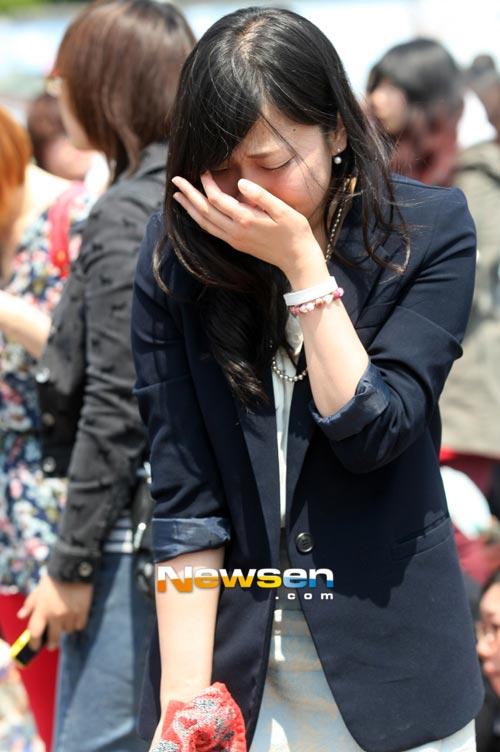 Fan khóc như mưa vì Yesung nhập ngũ - 11