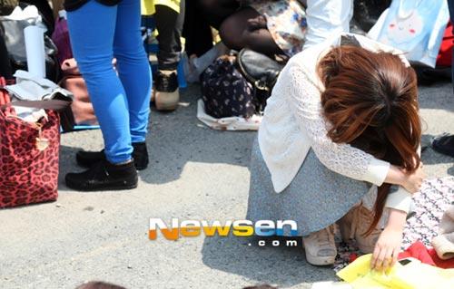 Fan khóc như mưa vì Yesung nhập ngũ - 8