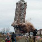 Tin tức trong ngày - Video: Cao ốc 30 tầng sụp đổ trong nháy mắt