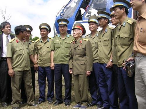 Ảnh: Tướng Giáp về chiến trường Điện Biên Phủ - 1