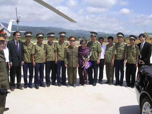 Ảnh: Tướng Giáp về chiến trường Điện Biên Phủ - 2