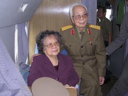 Ảnh: Tướng Giáp về chiến trường Điện Biên Phủ - 3