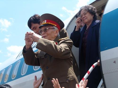 Ảnh: Tướng Giáp về chiến trường Điện Biên Phủ - 4